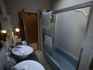 IMG_6752_Bathroom2